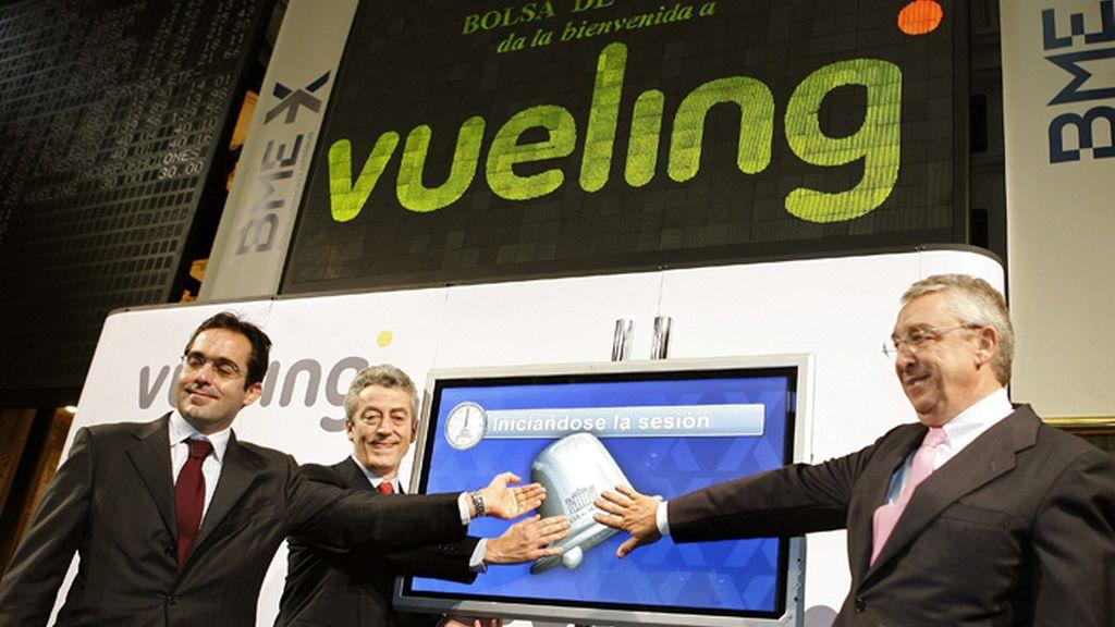 IAG mejora su oferta por Vueling