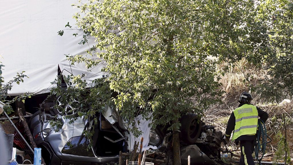 Dos muertos y tres heridos en un accidente en Huarte (Navarra)