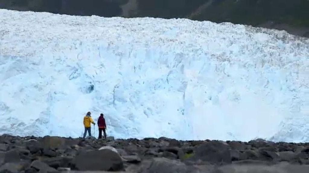 Eva Hache supera el reto y llega al glaciar más espectacular de Alaska