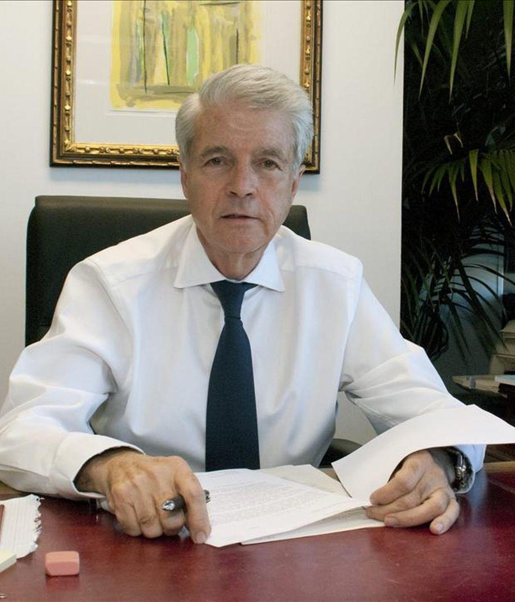 El representante diplomático enviado por España a Bengasi (Libia), José Riera, se incorpora hoy a su puesto en la principal ciudad controlada por los rebeldes, en el este del país, para reforzar la interlocución con el Consejo Nacional de Transición (CNT). EFE/Archivo