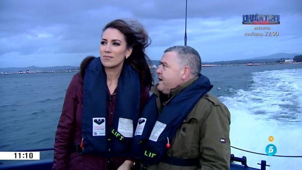 'AR' patrulla con los agentes de aduana de Vilagarcía por las Rías gallegas