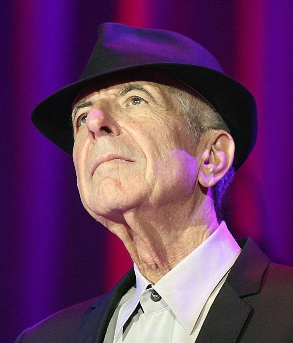 Fotografía de archivo, del 21 de septiembre de 2009, del poeta y cantautor canadiense Leonard Cohen, que ha ganado hoy el Premio Príncipe de Asturias de las Letras de 2011, según ha decidido el jurado reunido en Oviedo. EFE