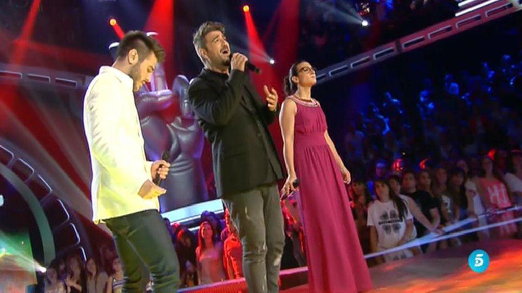 Raquel Garrido y Antonio José cantan con Antonio Orozco 'Una y otra vez'