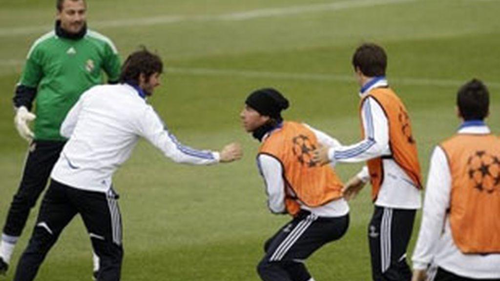 Sergio Ramos y Granero en un entrenamiento de la temporada 2010/2011. FOTO: AP