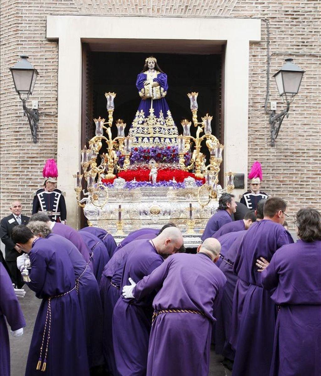 Una procesión tradicional de Semana Santa. EFE/Archivo