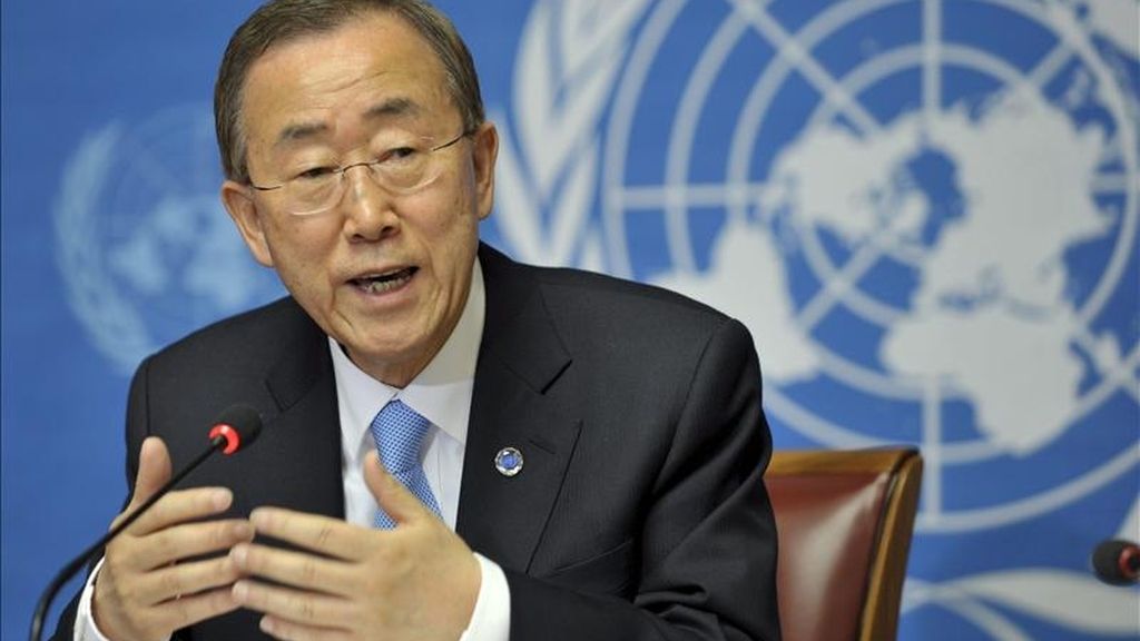"""El secretario general de Naciones Unidas, Ban Ki-moon, durante la rueda de prensa celebrada en la sede europea de la ONU, en Ginebra (Suiza), hoy miércoles 11 de mayo de 2011. Ban Ki-moon afirmó sentirse """"aliviado"""" tras la operación lanzada por EEUU que acabó con la vida del líder de Al Qaeda, Osama bin Laden, en Pakistán. EFE"""