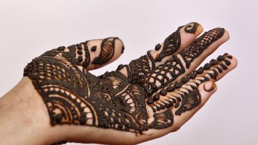 Sanidad alerta del peligro de los tatuajes temporales