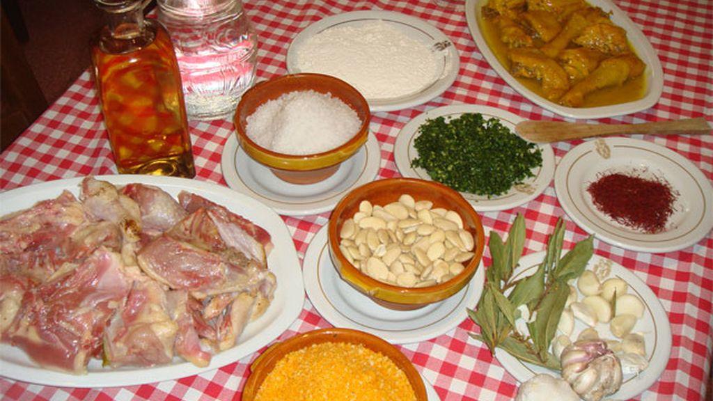 Ingredientes de la gallina en pepitoria