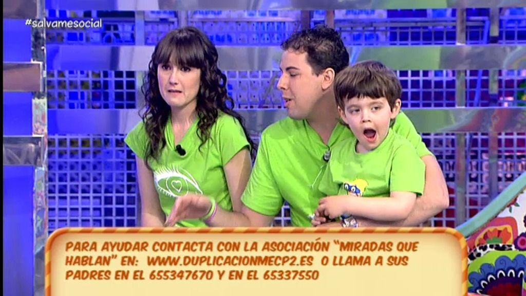 """Ana y Jose, padres de Aitor: """"Necesitamos ayuda para su enfermedad"""""""