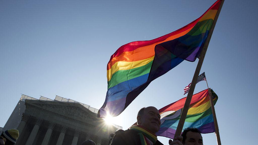 El Supremo de EE.UU. sigue su debate sobre el matrimonio homosexual