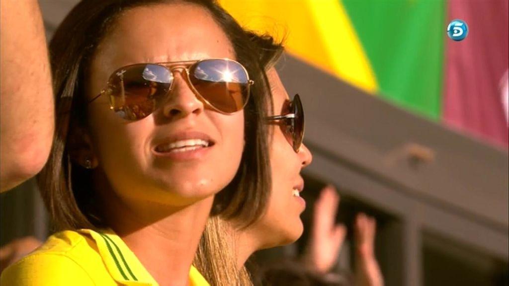Una aficionada brasileña en la grada