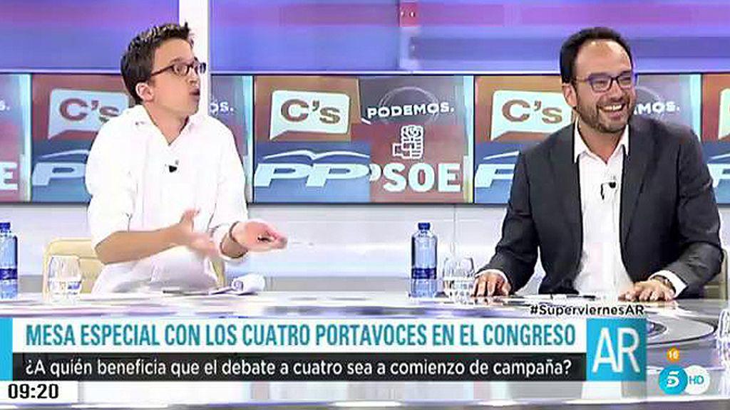 """Antonio Hernando: """"En España solo se debate a cuatro cuando Rajoy quiere"""""""