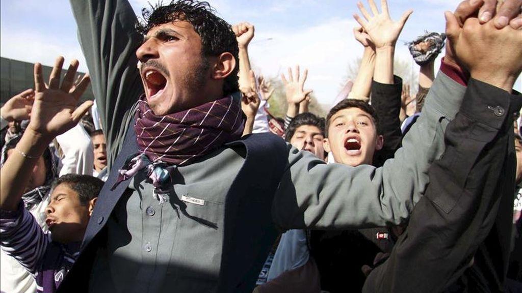 Ciudadanos afganos gritan consignas durante una protesta el pasado viernes en contra de la quema del Corán en Kabul (Afganistán). EFE