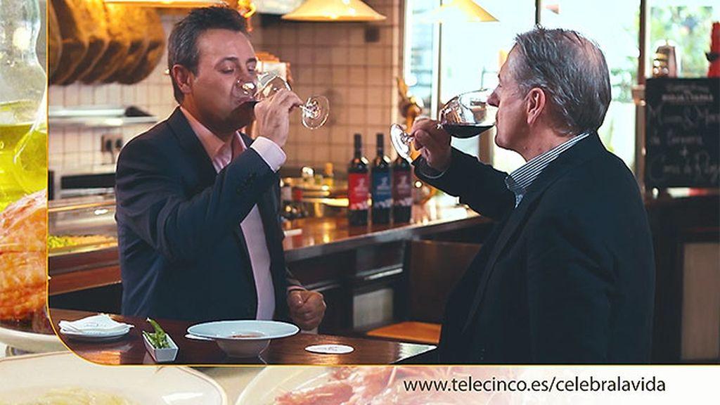 Tapa de manos y morros a la madrileña más copa de Rioja en 'Restaurante Rafa'