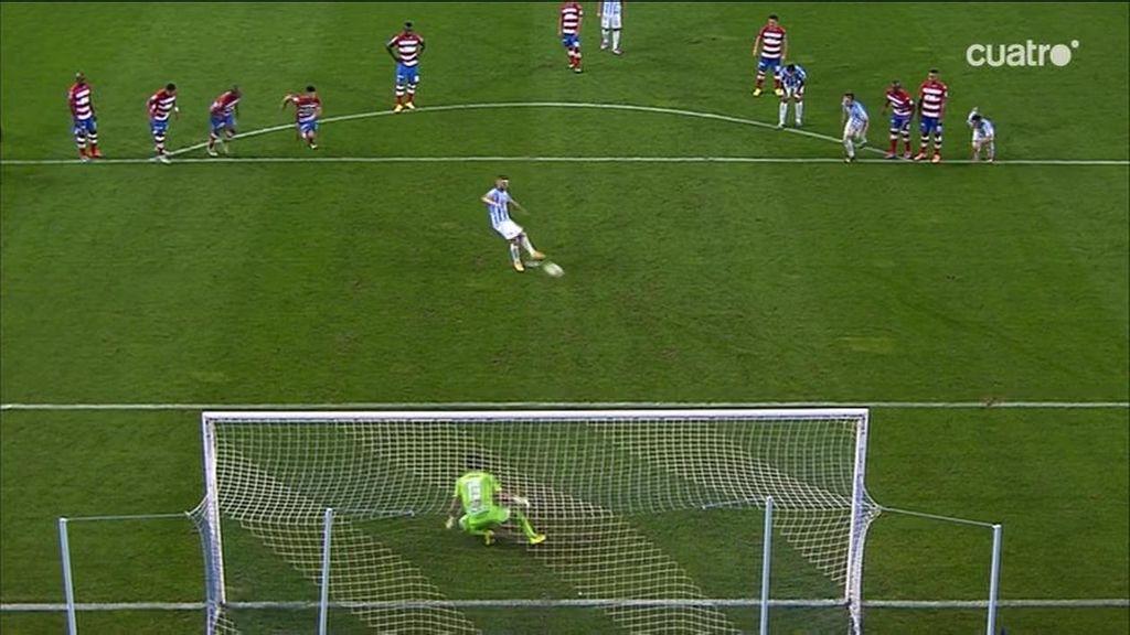 Antunes da la victoria al Málaga con un gol de penalti por mano de Iturra que no era