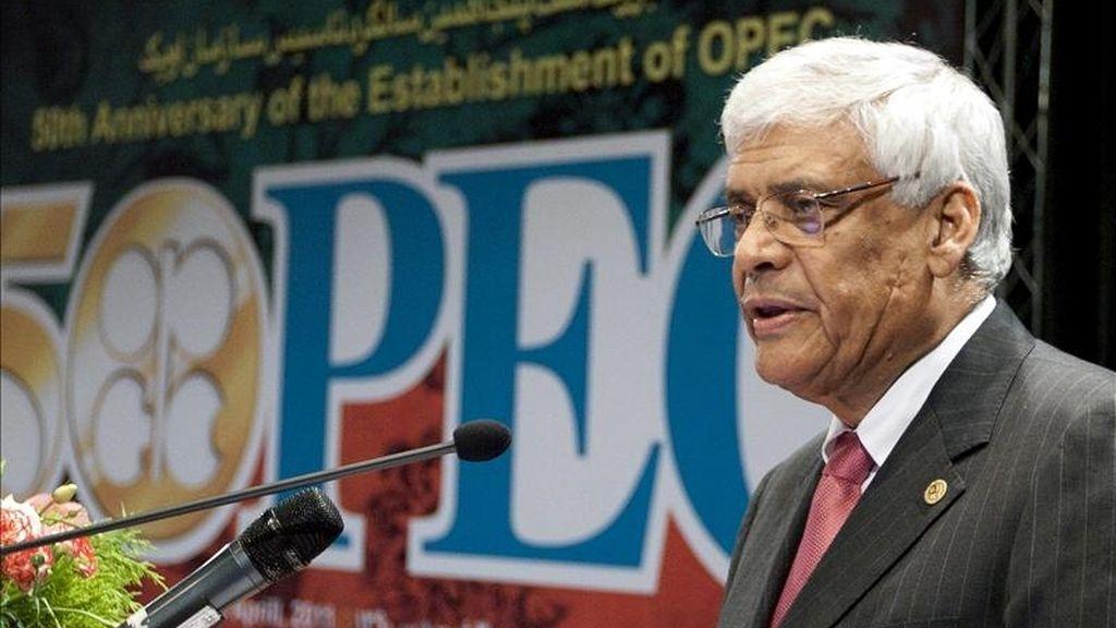 El secretario general de la Organización de Países Exportadores de Petróleo (OPEP), Abdulá El-Badri, toma la palabra durante la ceremonia de celebración del 50 aniversario de la creación de la OPEP en Teherán, Irán. EFE