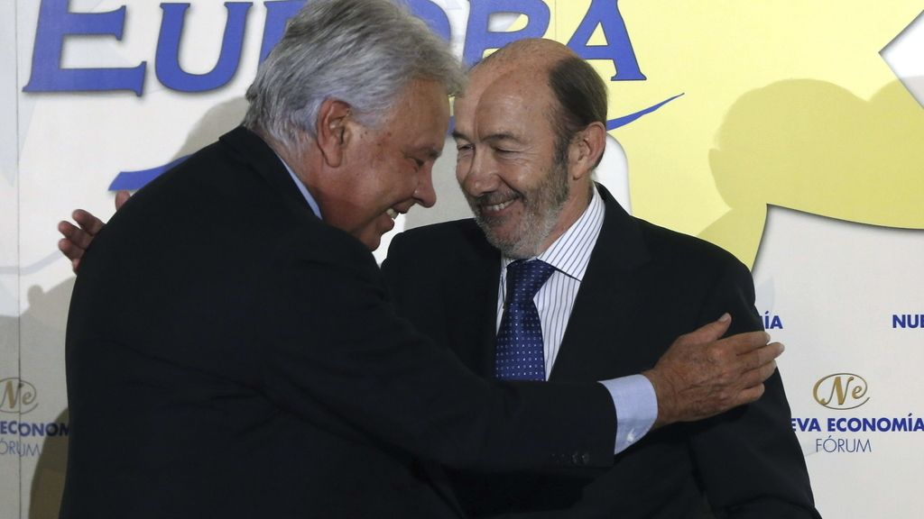 """Felipe González habla de """"fin de ciclo"""" y destaca la necesidad de pactos"""