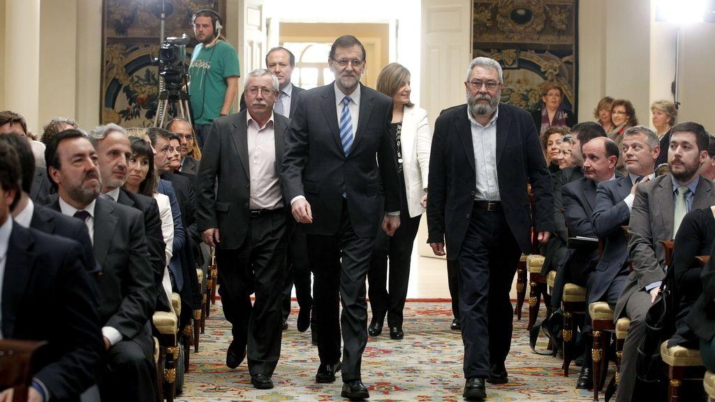Rajoy reúne a patronal, empresarios y sindicatos por el empleo joven