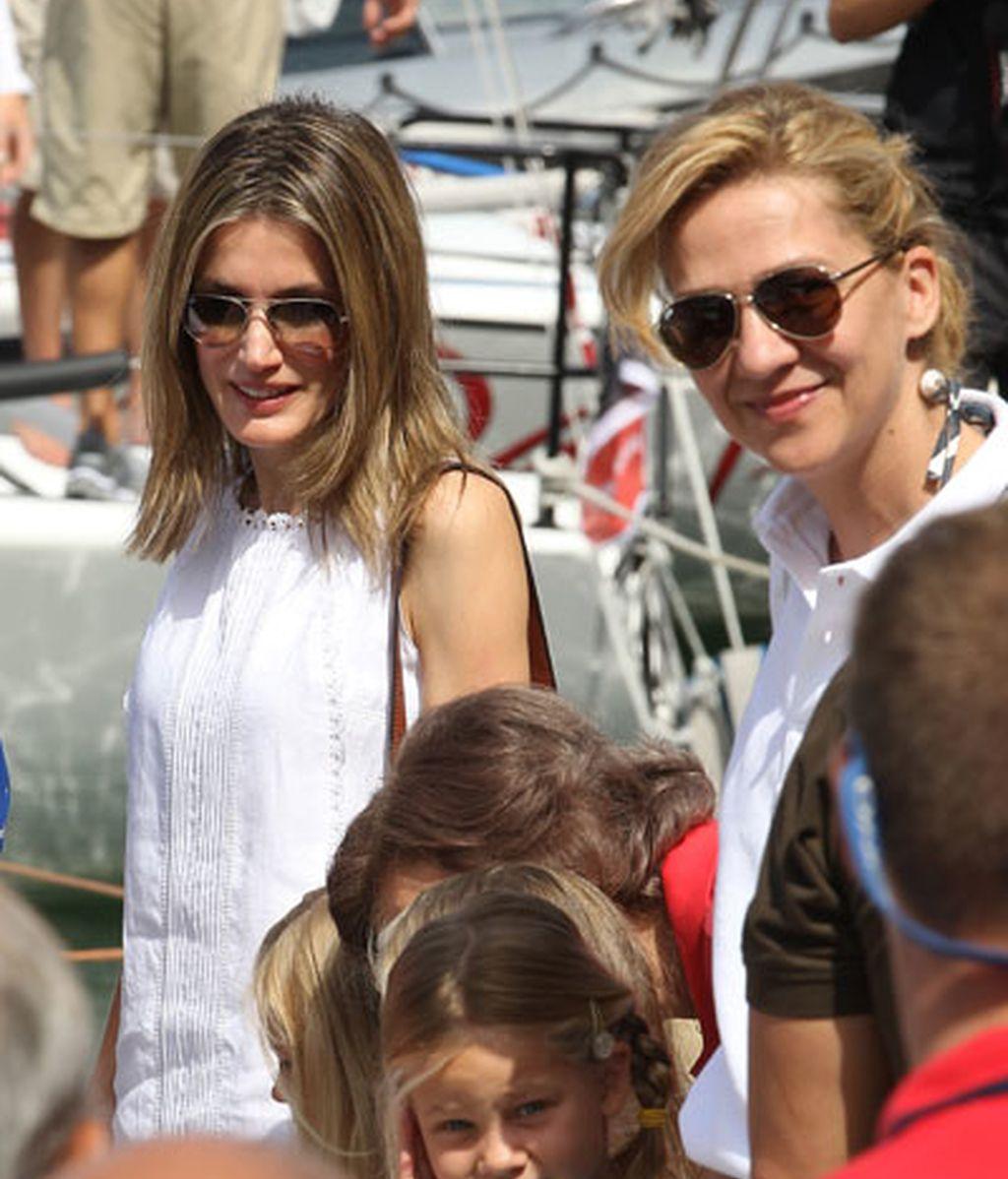 Con su cuñada Cristina