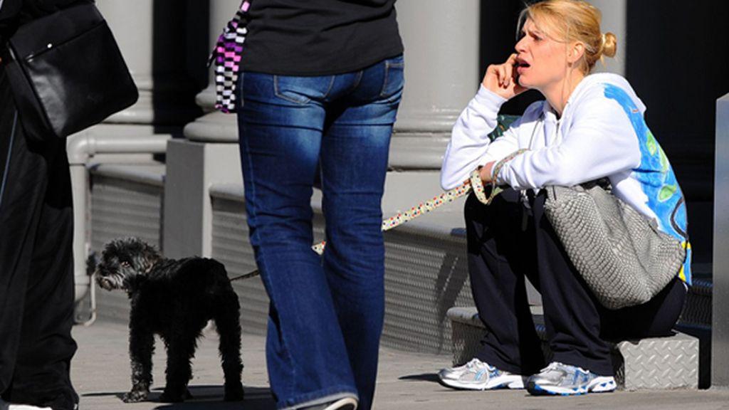 Claire Danes con su perro en NY