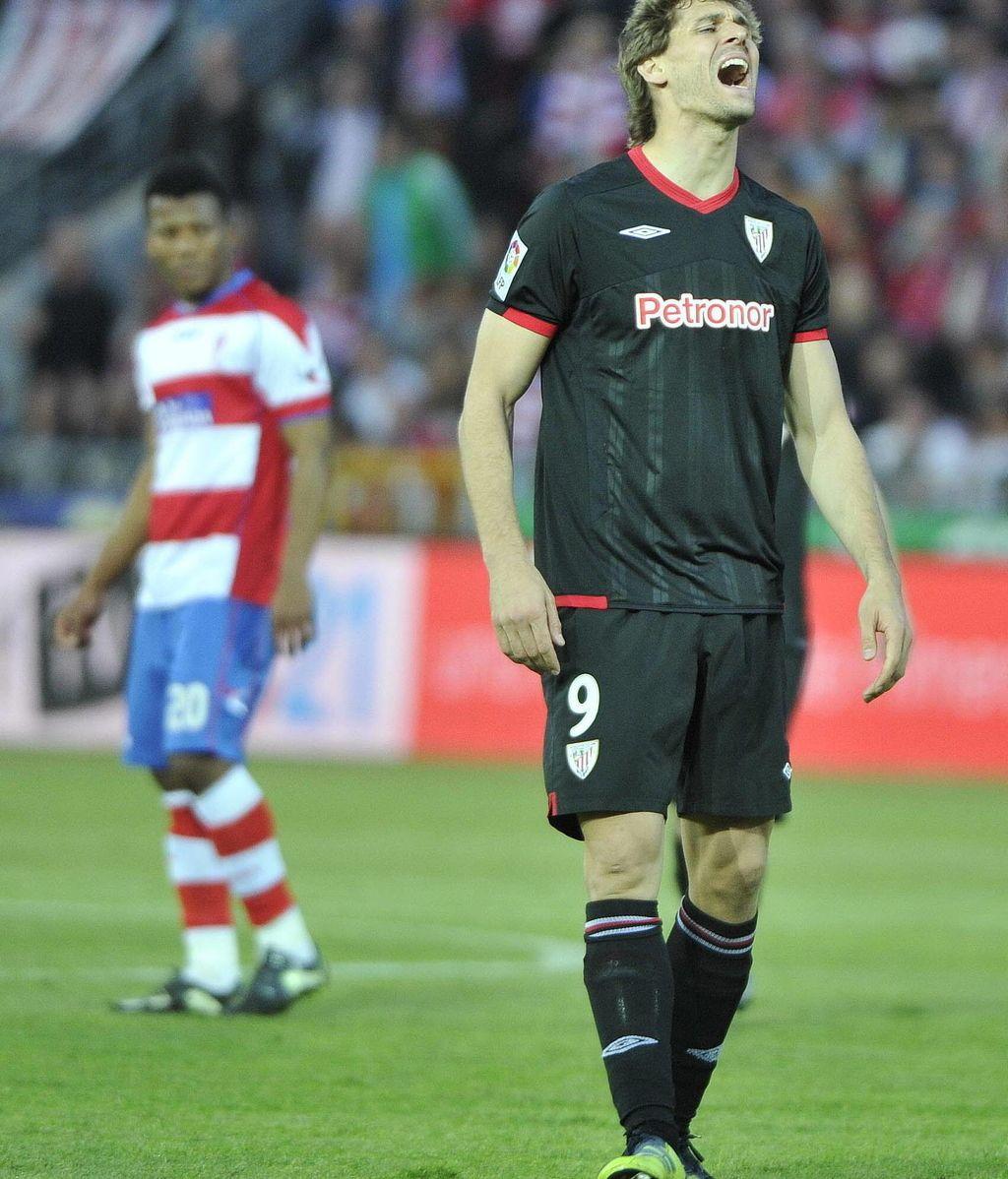 Llorente se lamanta tras fallar un penalti ante el Granada