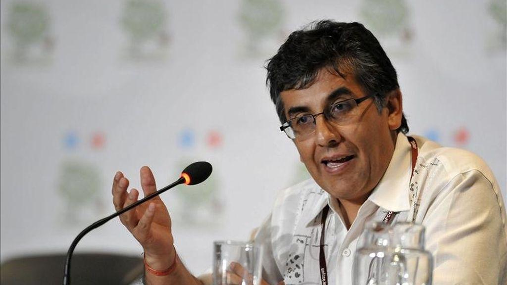 En la imagen, Pablo Solón, jefe de la delegación boliviana que asiste a la reunión que la Convención Marco de Naciones Unidas sobre Cambio Climático organiza en Bangkok. EFE/Archivo