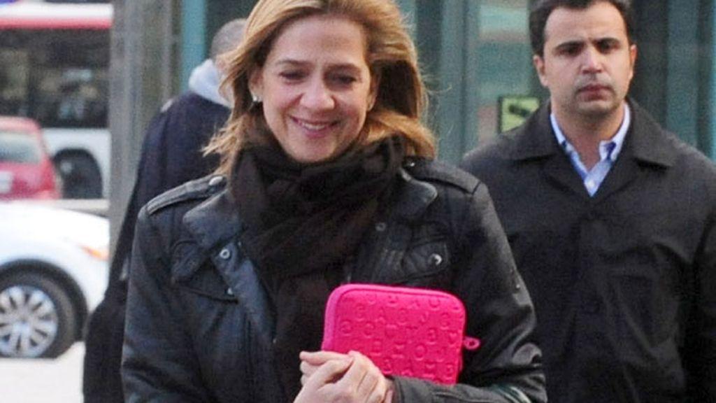 La infanta Cristina, muy sonriente en Barcelona