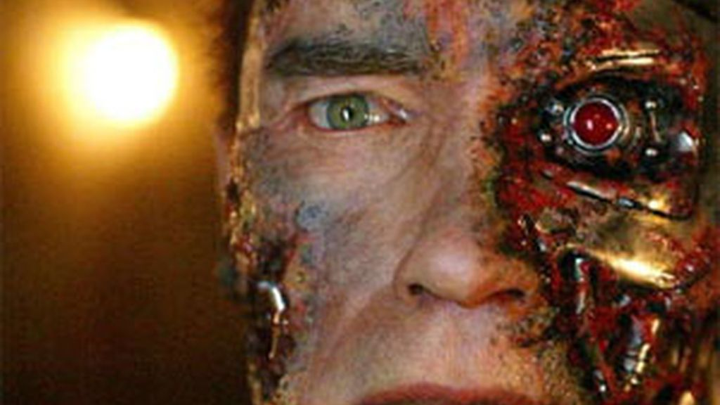 Arnold Schwarzenegger en una de sus apariciones en la saga 'Terminator'.