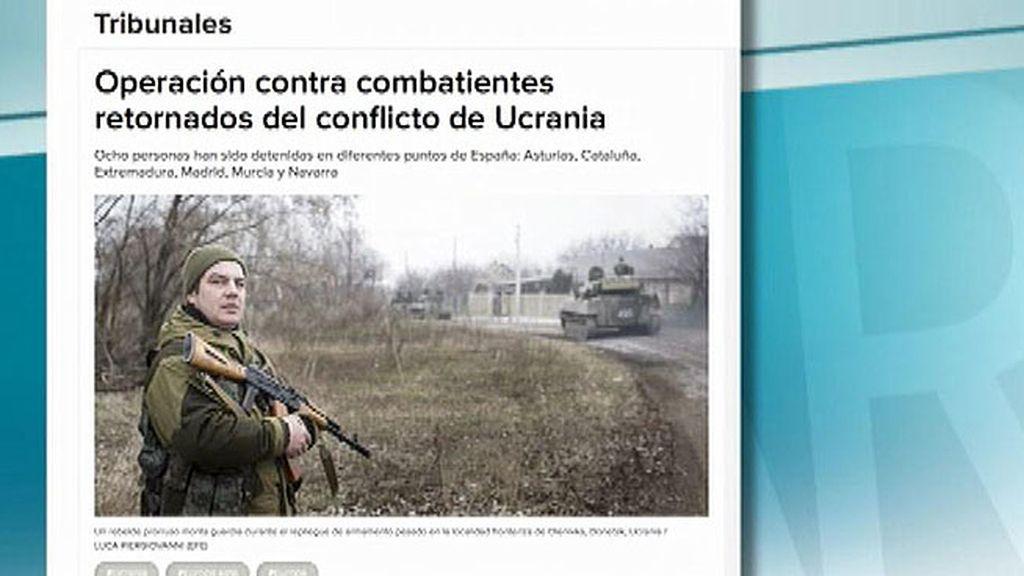 Detienen a ocho combatientes españoles que habían regresado de Ucrania