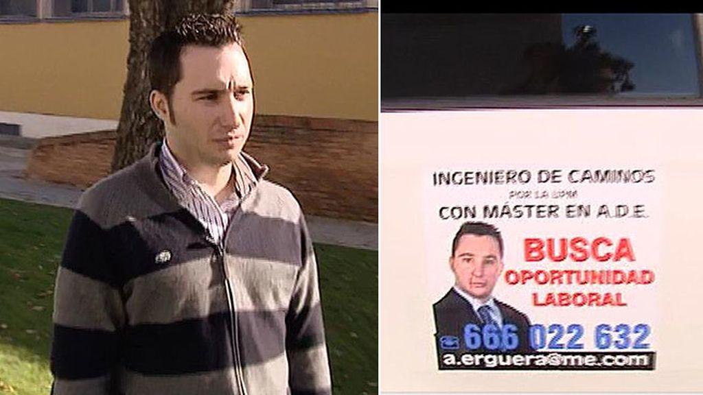 Ángel no encuentra trabajo y su padre ha colgado su currículum en su taxi