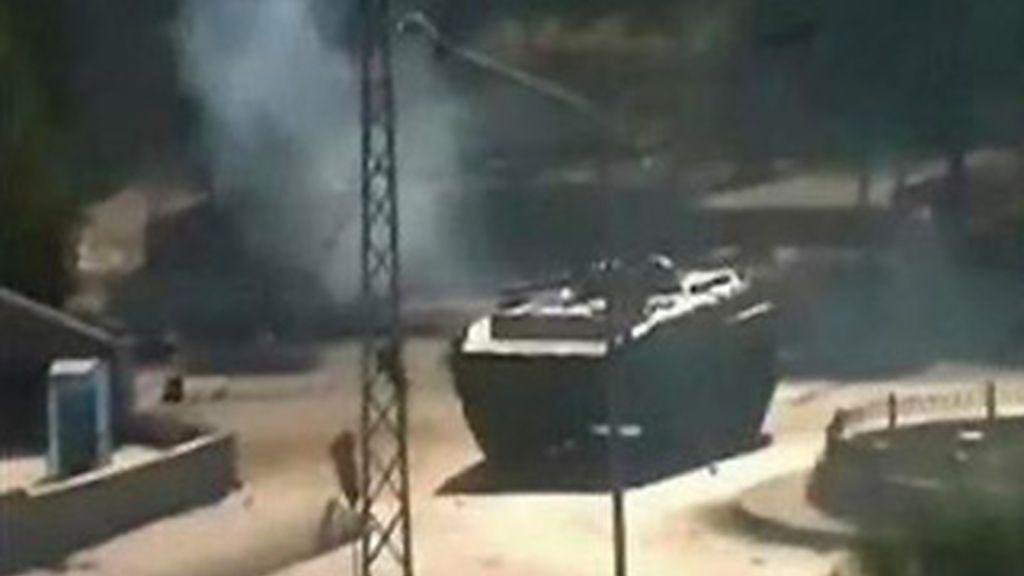 """Un oficial del Ejército ha comunicado la retirada de los efectivos después de """"restaurar la seguridad y la estabilidad"""" en Hama. Foto Reuters"""