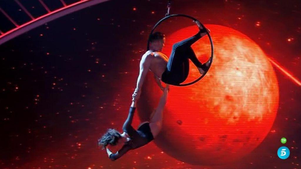 Celia y Marco vuelven a volar por los aires en la semifinal de 'Got Talent'