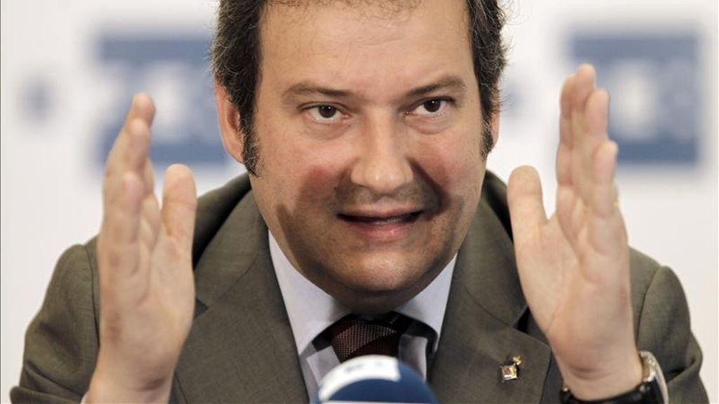 El alcalde de Barcelona y candidato del PSC a la reelección, Jordi Hereu, en una rueda de prensa organizada por la Agencia EFE. EFE