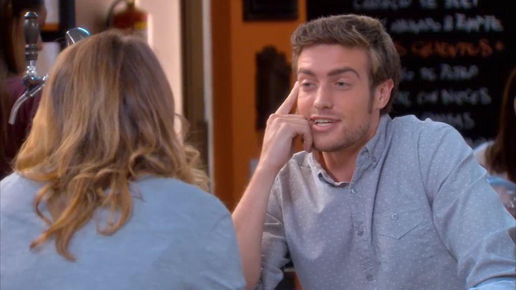¡Lucía tiene una cita con un tenista!