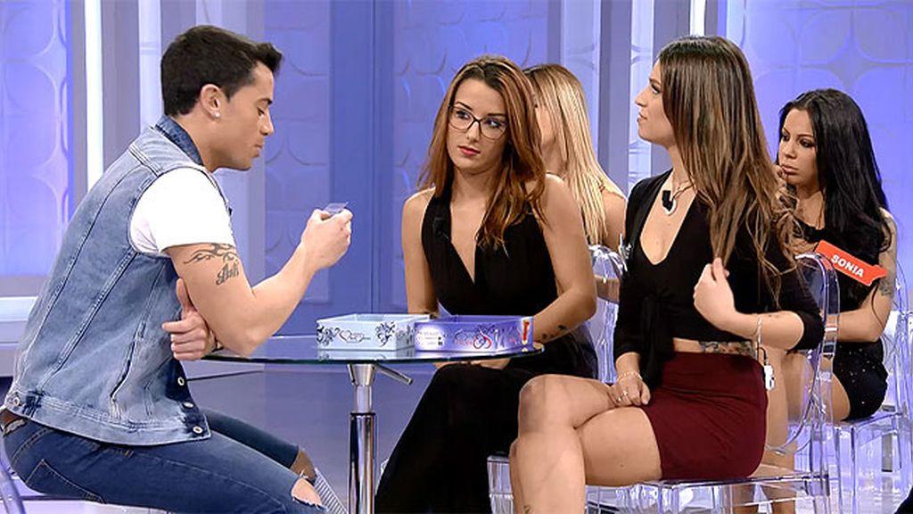Diego intenta conocer mejor a Xantal y Melody con el nuevo juego de 'MyH'