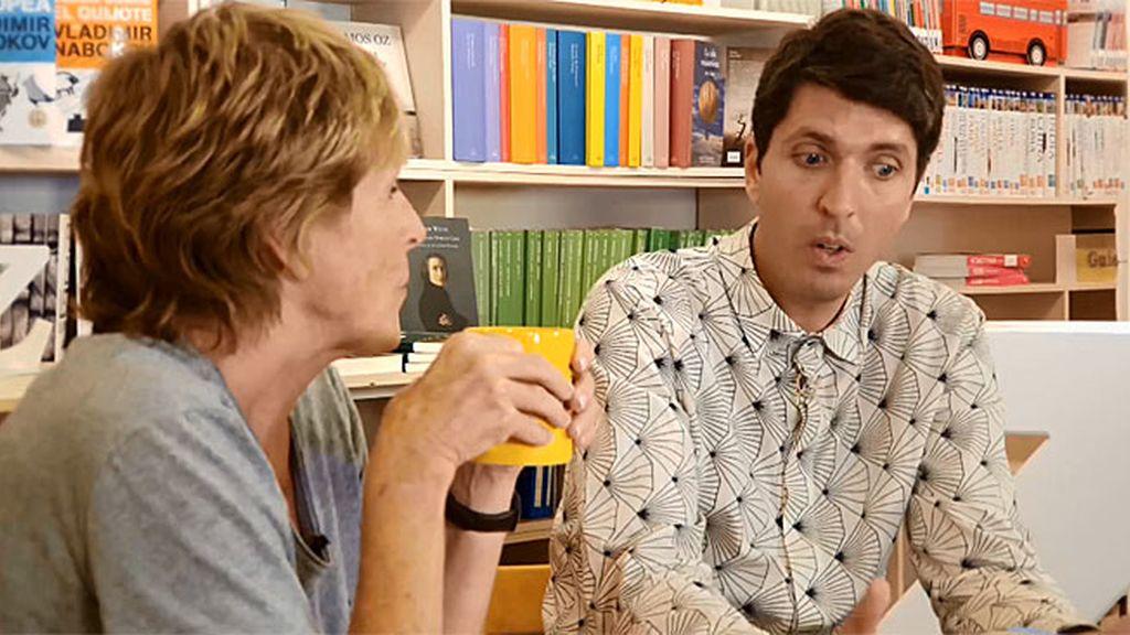 """Víctor enamora a Mercedes con 'Guerra y paz': """"Es el libro más importante de mi vida"""""""