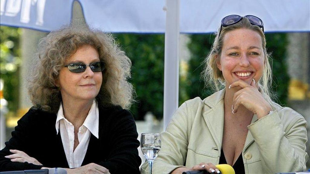 Las directoras del Festival de Bayreuth, Katharina Wagner (d) y Eva Wagner-Pasquier durante unrueda de prensa en Bayreuth (Alemania). EFE/Archivo