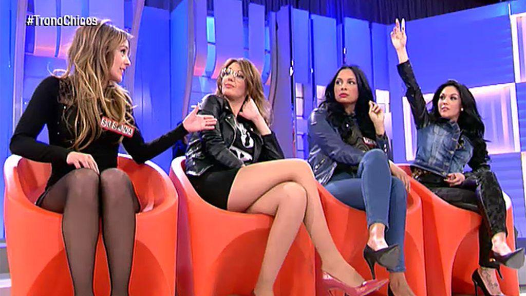 Susana, Shaila y María no olvidan el 'calentón' de Manu con Paola
