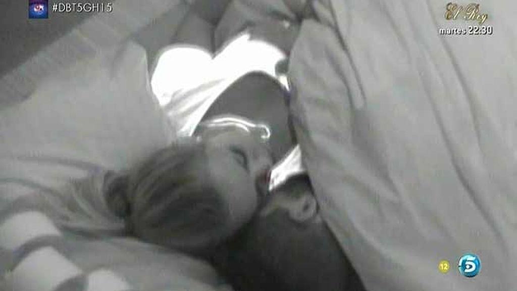¿Qué ha pasado entre Yolanda y Jonathan debajo de las sábanas?