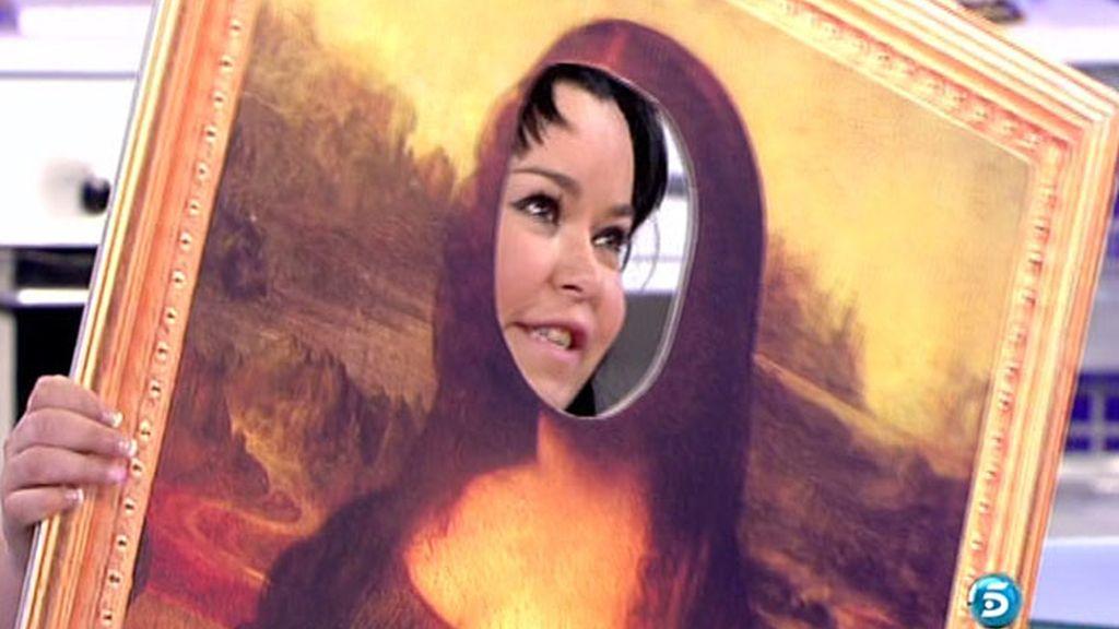 La reportera cambia el rostro de la pintura