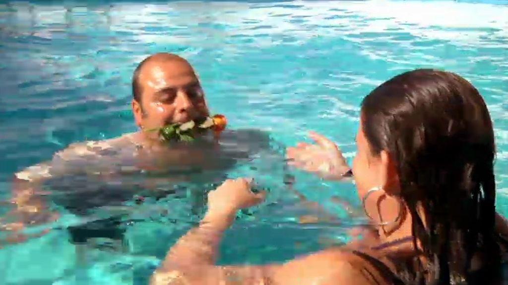 Tensión sexual en la piscina