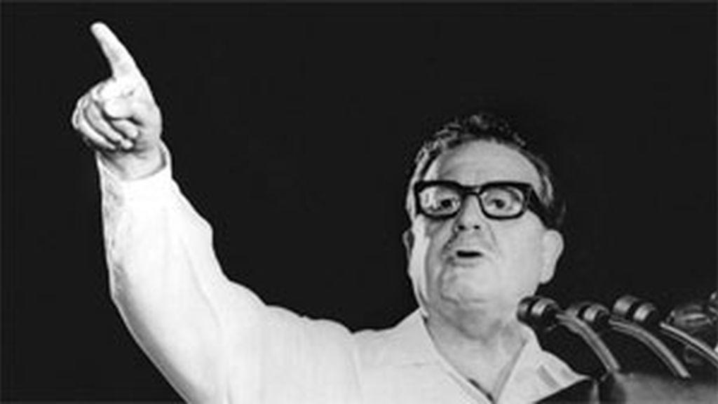 Salvador Allende durante un discurso. Foto: AP.