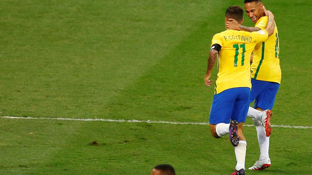 ¡Menudo golazo de Coutinho para adelantar a Brasil en el marcador! (1-0)
