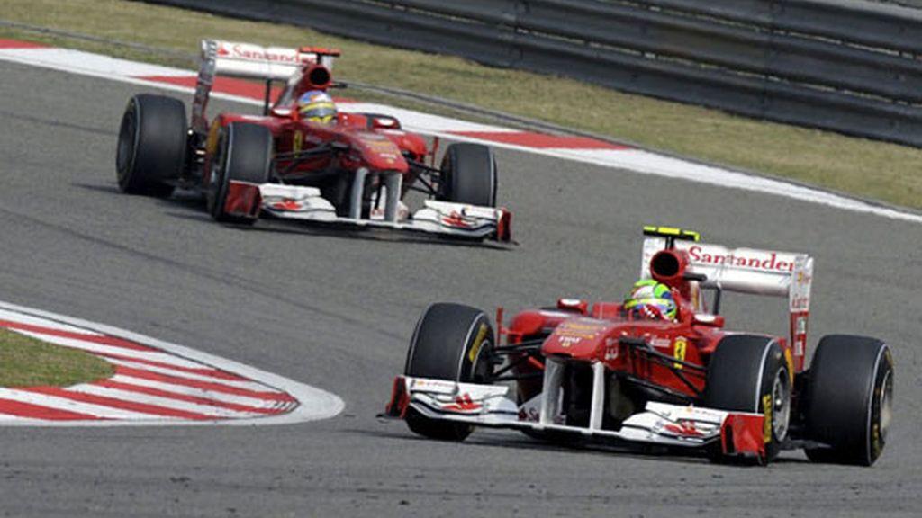 Ferrari sigue despertando muchas dudas en esta temporada 2011. Foto: GTres