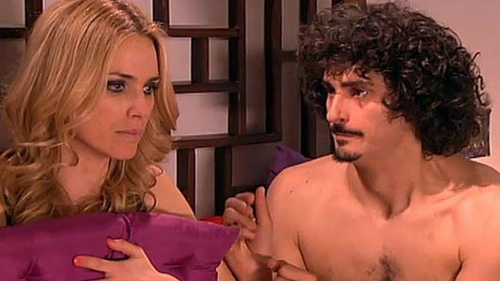 Javier engaña a Raquel para intentar acostarse con ella
