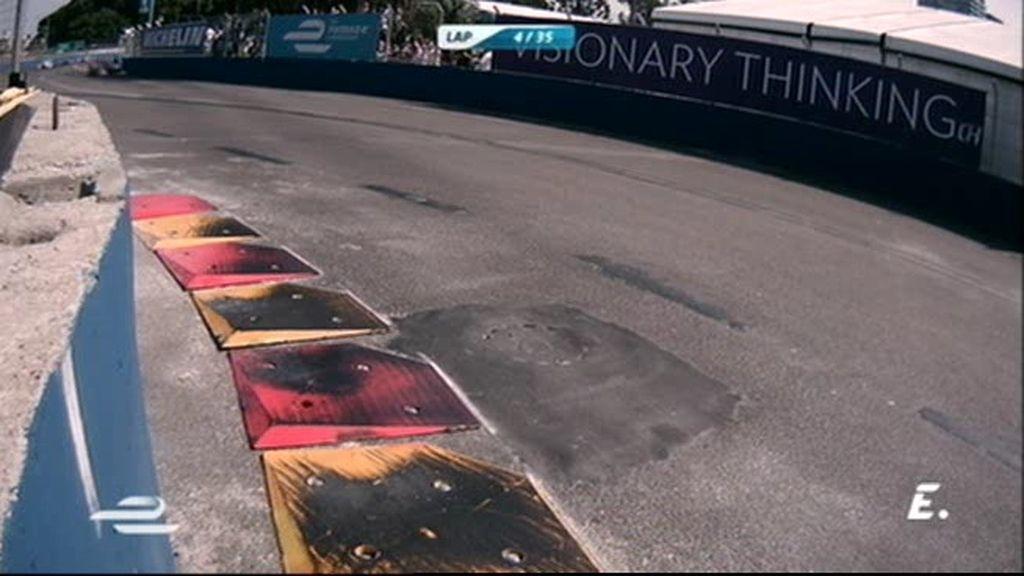 Así 'escalan' los coches de Fórmula E los pianos en el E-Prix de Buenos Aires
