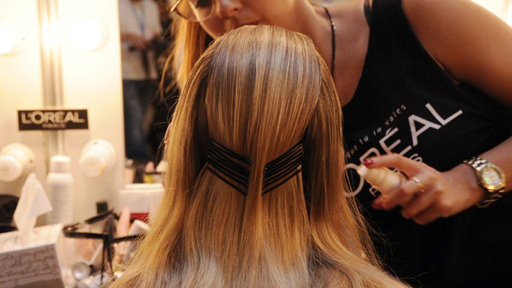 En la Fashion Week madrileña no dejan nada al azar, mucho menos en peluquería y maquillaje