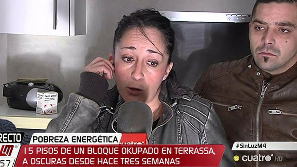 """Sandra y sus hijos viven sin luz desde hace tres semanas: """"Pedimos vivir dignamente"""""""