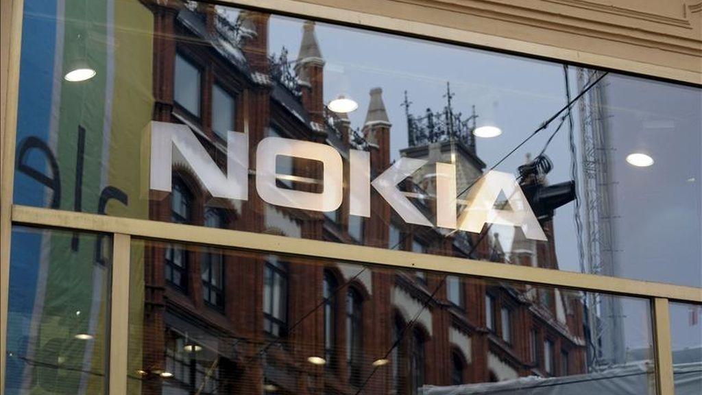 Exterior de una tienda de Nokia, líder mundial en telefonía móvil, en Helsinki, Finlandia. EFE