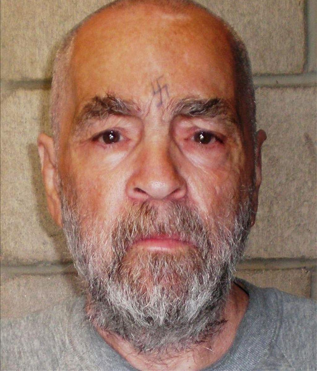 Fotografía facilitada por el Departamento de Corrección y Rehabilitación de California que muestra al asesino Charles Manson en una imagen del 18 de marzo de 2009. EFE/Archivo